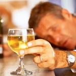Puede sancionarse a trabajador por ingerir licor fuera del centro de labores